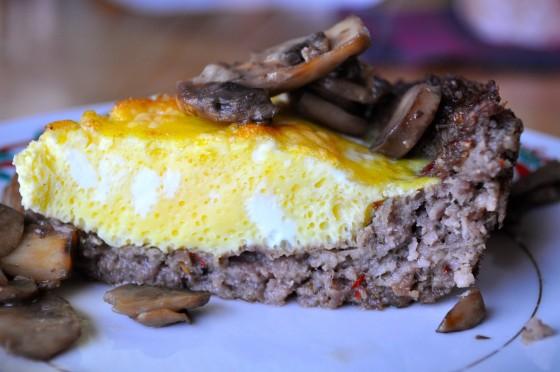 Image source: http://www.heywhatsfordinnermom.com/2013/02/sausage-crust-quiche-paleo-quiche.html